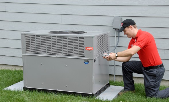 Servicing air conditioner